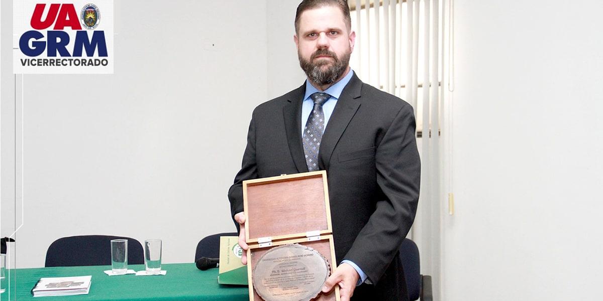 Especialista dictó Conferencia Magistral en la Facultad de Ciencias Agrícolas